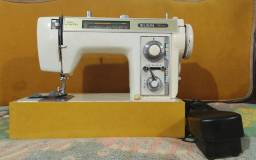 Máquina de Costura Elgin Genius