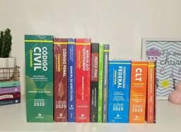 Coleção de livros de Direito nova, nunca usada.