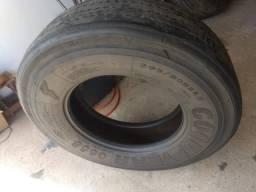 Vend0 um pneu Goodiyear 295 para usar com camara de ar