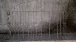 Material de obra (Grade, Básculas de Alumínio, Portão de Porta e Janela de Madeira)