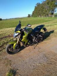 Moto estado de zero, segundo dono, pneus novos, moto sem detalhes. Somente no dinheiro!! - 2012