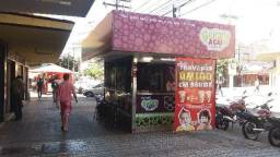 Passo ponto comercial banca comércio de açaí e sorvetes no setor central de Goiânia Goiás