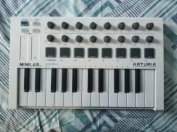 Teclado Controlador MIDI Arturia Minilab