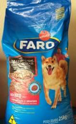 Ração Faro Premium 25 kg Raças média Cozido de Carne e Frango para Cães Adultos