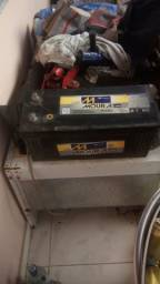 Vendo bateria 180 hw usada fabricao 05 /06/2018