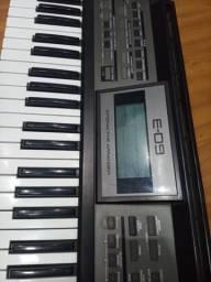 Teclado Roland Juno e09