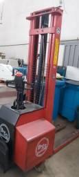 Empilhadeira elétrica BYG patolada 1000kg