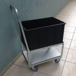 Carro Transporte Com Caixa Plástica Preta Alta 61 Litros