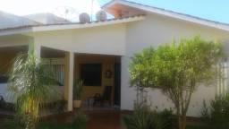 Casa 3 qtos, área de lazer completa, armariada- St Universitário, Rio Verde/GO