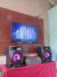 Vendo uma smart tv 40 Philco + um som Lg cl2350 w xbom