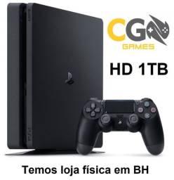 PS4 Slim 1TB Semi Novo com 1 Jogo de Brinde e Garantia - Cartão Até 12x - Loja Física