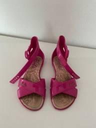 Vendo sandália Barbie