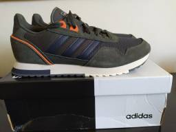 Tênis Adidas 8K 2020 Masculino - Tamanho 42 - Chumbo e Azul