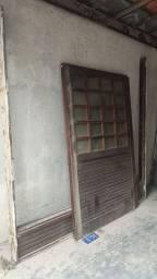 Portas de madeira com caixa