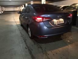 Toyota Yaris sedan automático