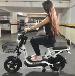 Mini Harley elétrica FUJA DO TRÂNSITO
