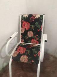 Jogo de cadeiras com mezinha