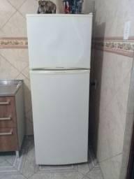 Vendo geladeira duplex ELECTROLUX 220v