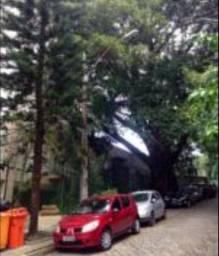 Alugo casa em Ótima Rua no Jardim Botânico