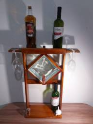 Barzinho de parede com porta bebida
