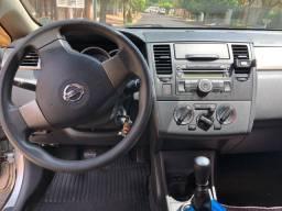 Nissan Tida Hatch_super conservado