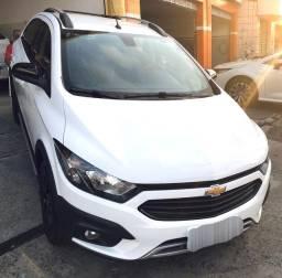 Chevrolet Onix Activ 1.4 2019 com 14.000 km