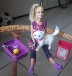 Boneca Barbie Original Mattel e gatinha Kitty
