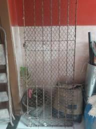 Portão de ferro em barras