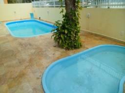 Linda Casa para até 13 Pessoas com piscina na Praia de Bombas