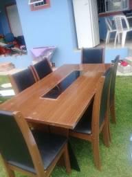 Mesa com 5 cadeiras no Campeche