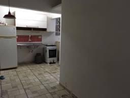 AP - 0426 - Totalmente reformado apartamento de 01 dormitório no Embaré
