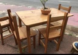 Jogo de mesa 120x70 maciço c4 cadeiras
