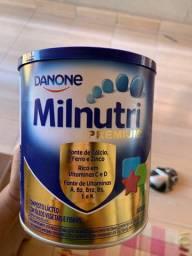 Doação de uma lata de leite milnutri premium