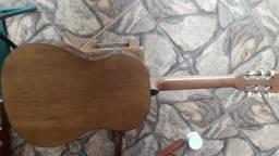 Vendo bom Violão Tonante antigo.