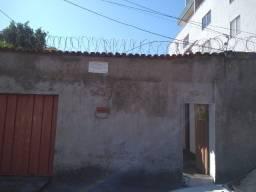 Casa 2 quartos, 1 vaga pra moto Santa Efigênia/Paraíso entrada independente