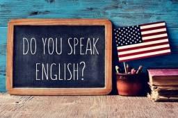 Professor de Inglês com foco em Conversação