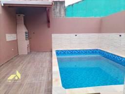Casa a venda com piscina nova em Itanhaém