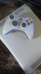 Xbox 360 destravado  vários jogos e 1 mante