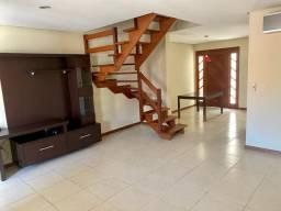 Ótimo sobrado 03 dormitórios em condomínio no Guarujá. Oportunidade!