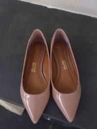 Vendo uma sapatilha número 34 santa Lola novíssima