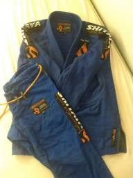 Kimono azul escuro usado