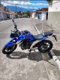 Moto semi nova 2019