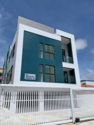 Apartamento nos Bancários com 2 quartos, sendo 1 suíte e varanda