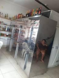 Freezer para distribuidora de bebidas