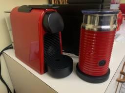 Cafeteira Nespresso + Aerocinno