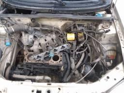 Corsa w de leilão com motor desmontado