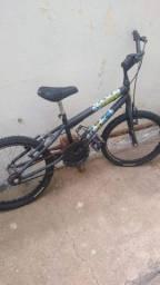 Vendo essa bicicleta novinha tem até pelinho nós pneus