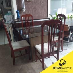 Mesa de vidro com 4 cadeiras de madeira por 789,99