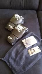 Luva de box/ muay thai e acessórios