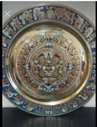 Prato Decorativo Mexicano em Metal Pedra do Sol Calendário Asteca Década de 70